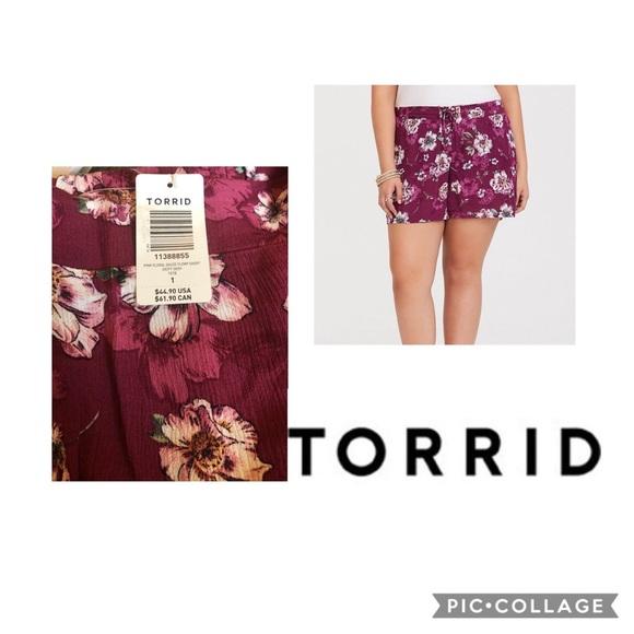 torrid Pants - NWT Torrid Floral Shorts